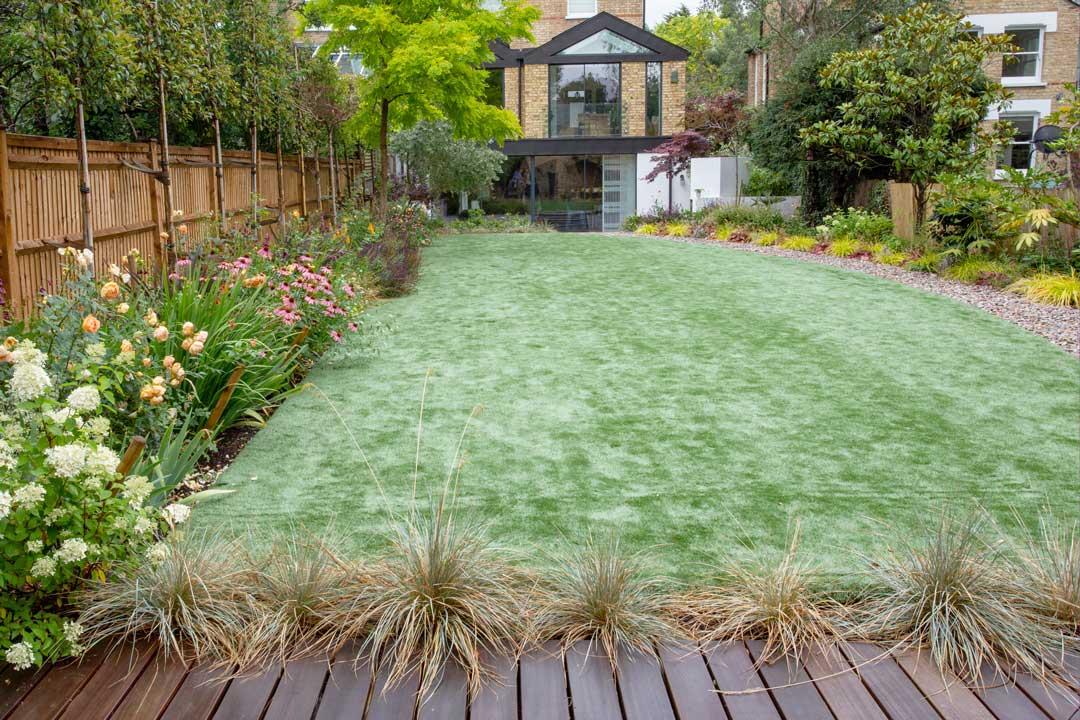 Artificial lawn in Alleyn Rd, London