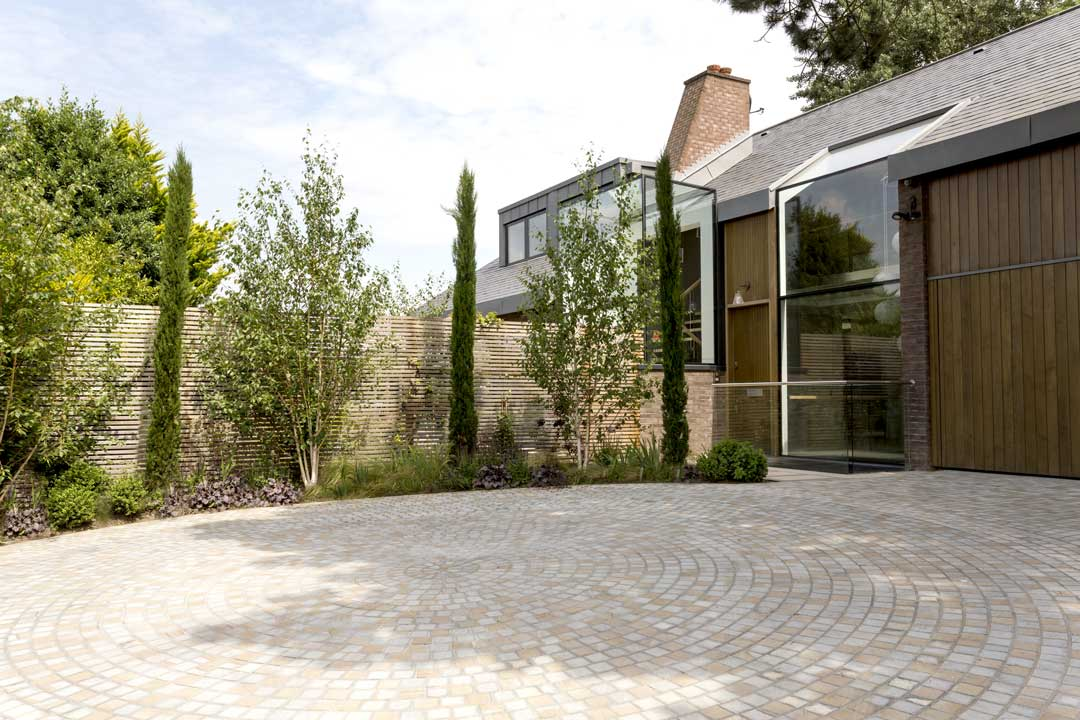 Front Driveway in London, 10