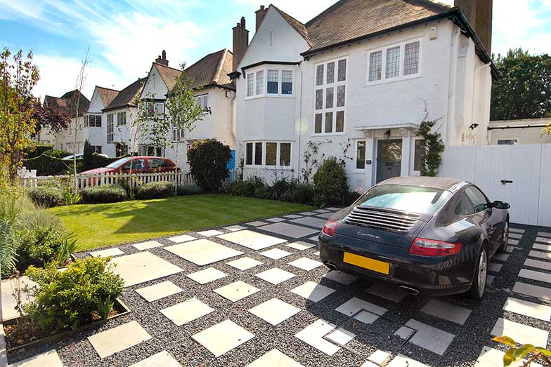Front Driveway in London