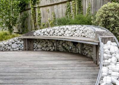 Gabion wall with suspended bench, 2