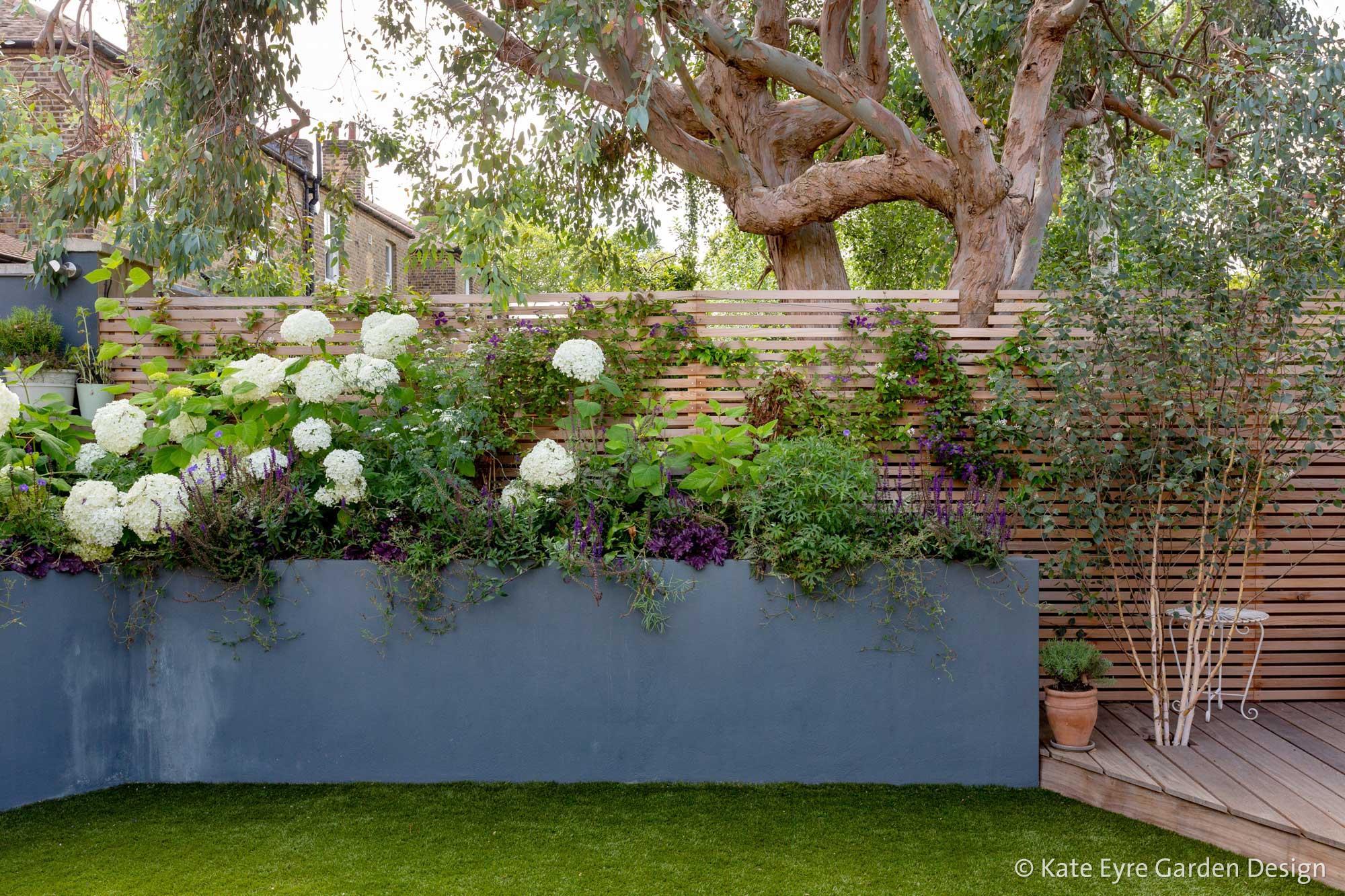 Ildersly Grove 7: raised planters