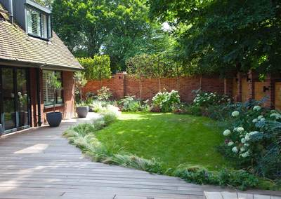 Wrap-around garden design in Allison Grove, Dulwich, 1
