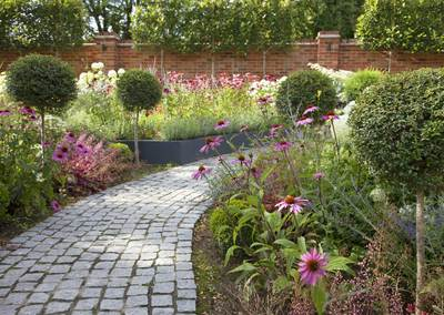Wrap-around garden design in Allison Grove, Dulwich, 2
