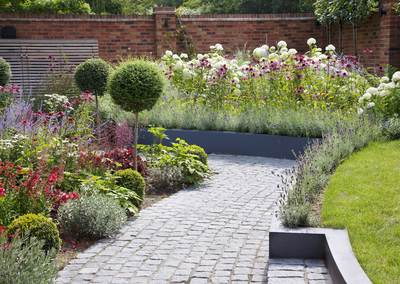 Wrap-around garden design in Allison Grove, Dulwich, 5