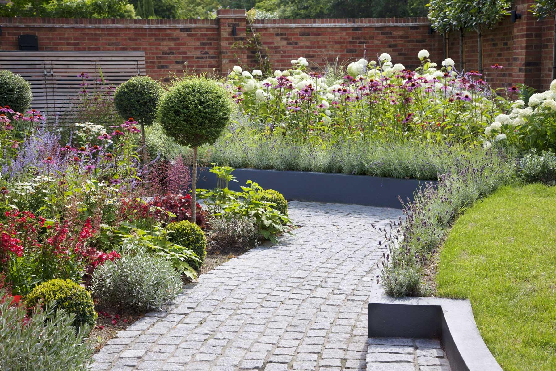 Wrap-around garden design in Allison Grove, Dulwich, 5