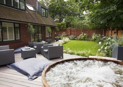 Wrap-around garden design in Allison Grove, Dulwich, 6