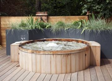 Wrap-around garden design in Allison Grove, Dulwich, 7
