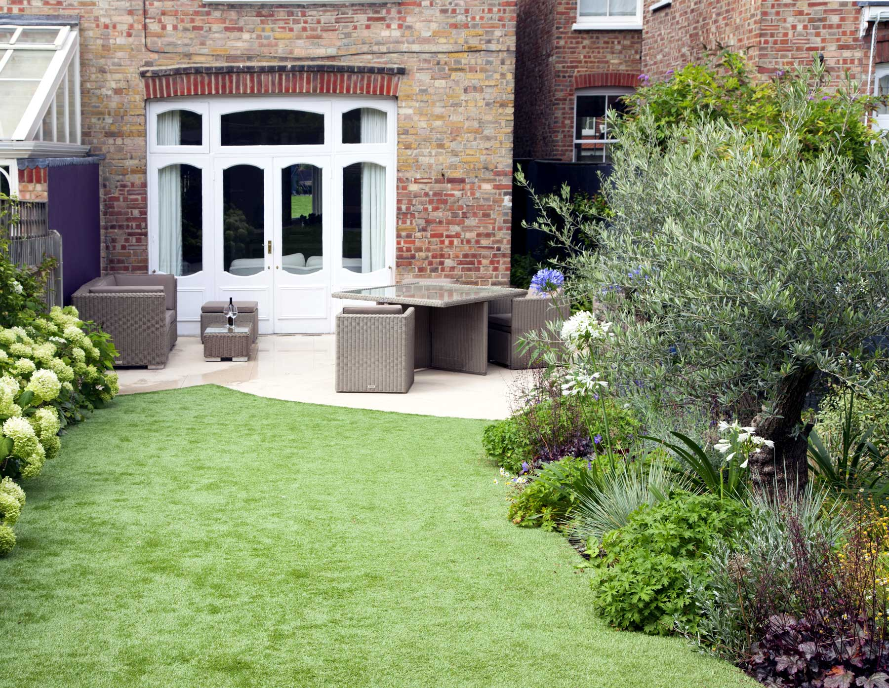 Garden design in dulwich kate eyre garden design for Back garden designs uk
