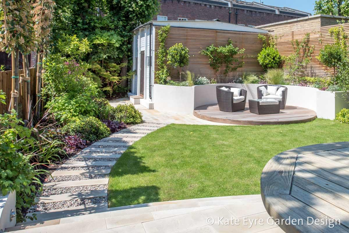 Medium-sized back garden design in Wandsworth, 4
