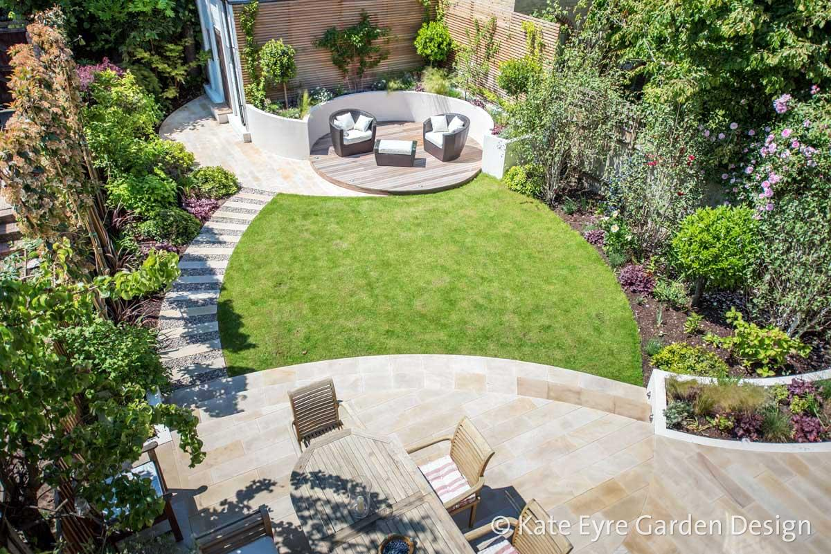 Kate eyre garden design wandsworth sw18 for Medium back garden designs