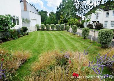 Front garden design in Frank Dixon Close, Dulwich, 5