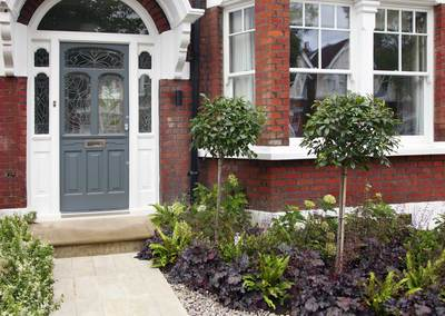 Front garden design in Turney Road, London, 1