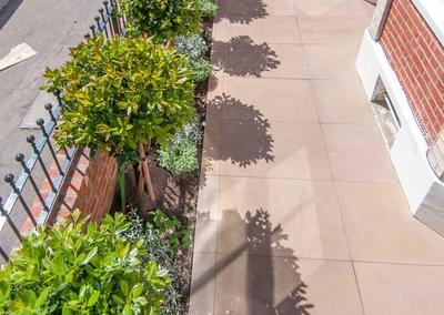 Front garden design in Idmiston Road, London, 4
