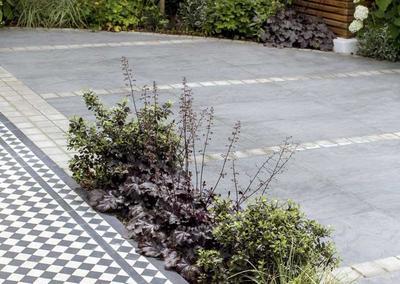 Front garden, Woodwarde Road, London, 2