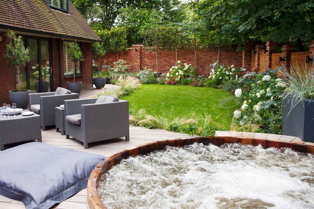 Garden Hot Tub, London, 1