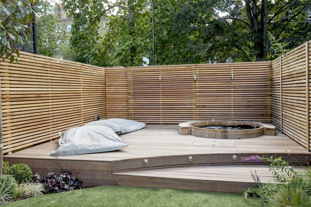 Outdoor hot tub, London, 4