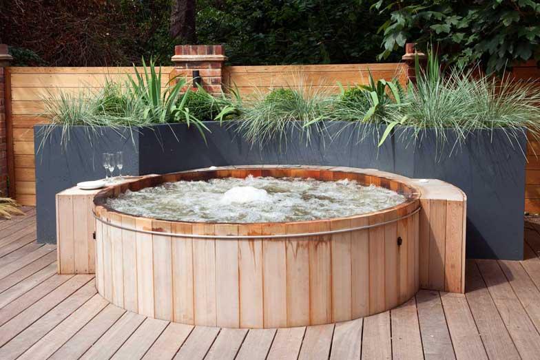 Garden Hot Tub, London