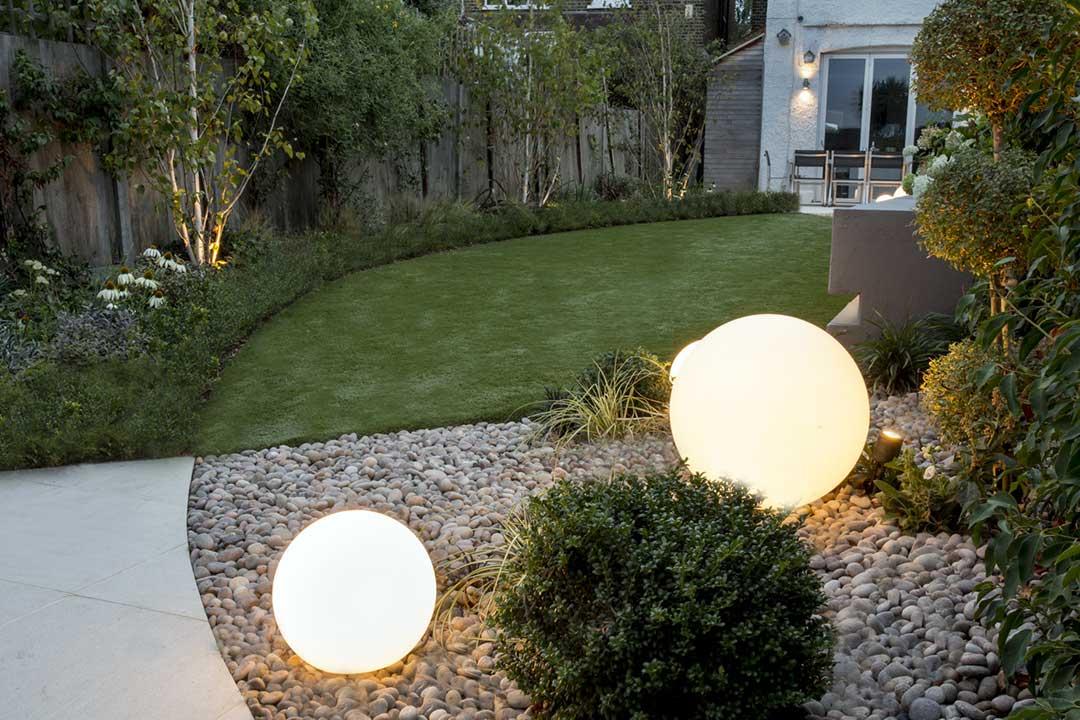 Spherical garden lights