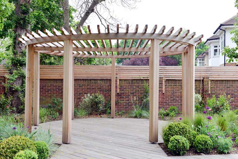 Garden pergola in London by Kate Eyre