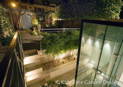 Small back garden design in Chelsea, 7 - night view
