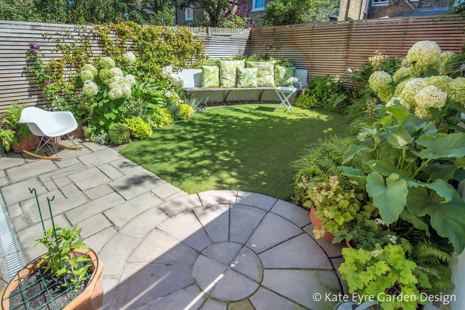 Small Back Garden Design in Clapham, 3